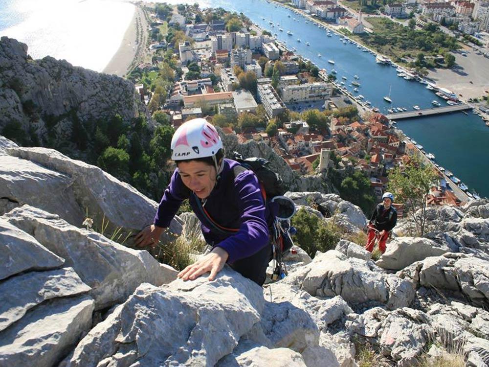 ROCK CLIMBING ADVENTURE! Experience Rock Climbing