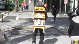 【Shop BSLの商品紹介】どこでも本屋になれる! 「担ぐ本棚」を販売します!