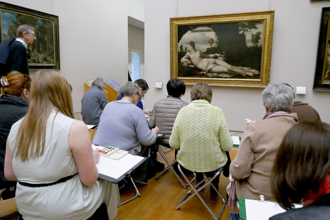 Art class in the Louvre