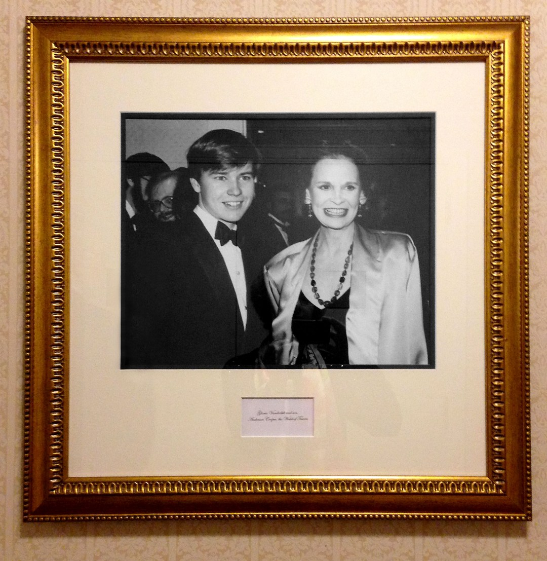 Photo of Anderson Cooper as a teenager in the Waldorf Astoria Hotel