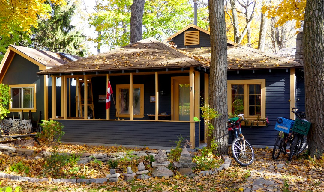 Cottage on Ward's Island in Toronto