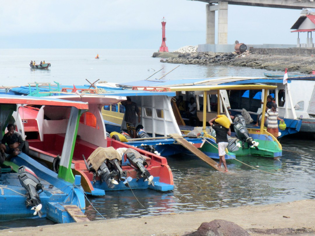 Boarding the boat at the harbour in Manado for boomervoice