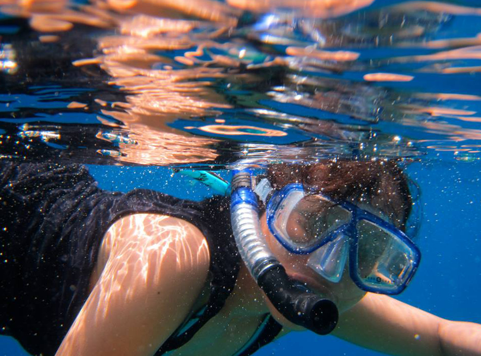 Snorkeling in Bunaken for boomervoice