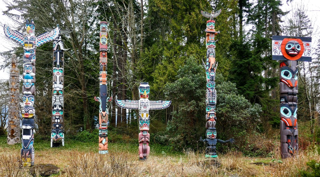 Totem poles in Stanley Park for boomervoice