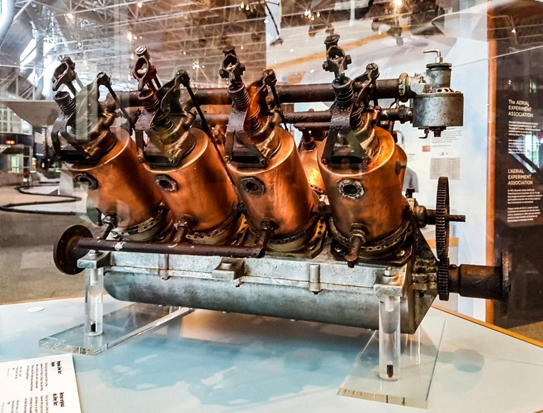 Silver Dart V-8 Engine