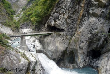 taroko-cave-bridge