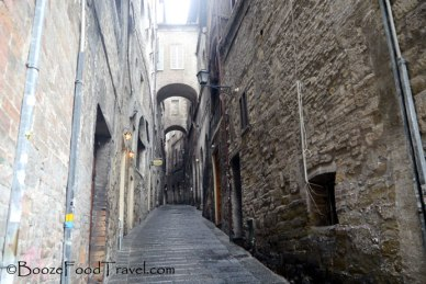 Typical alley around Perugia. I don't know where they all lead