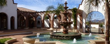 The 6 guest rooms are separated from the main house bya lovely courtyard