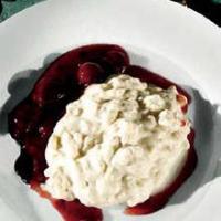 Klassisk Ris a la mande med kirsebærsauce.