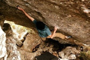 Paul Robinson bouldering 8B+ and 8C in South Africa