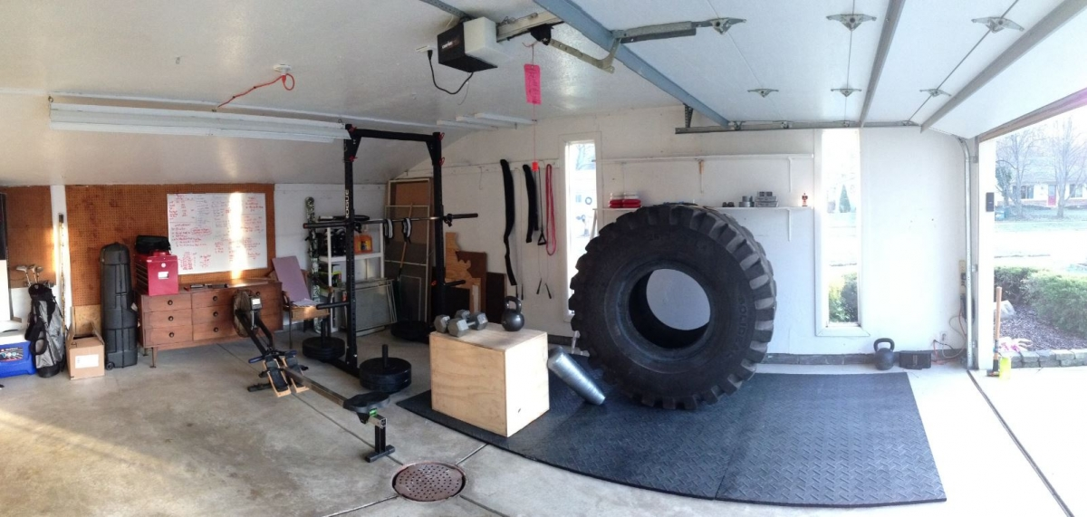 awesome crossfit home gyms box junkies. Black Bedroom Furniture Sets. Home Design Ideas