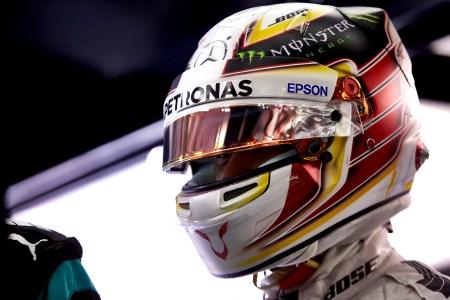 Hamilton smashes all-time Bahrain record to take pole