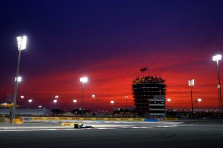 Rosberg blasts past Hamilton in Bahrain