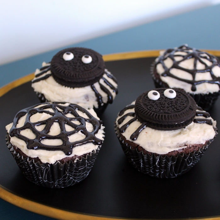 oreo spider and spider web cupcakes