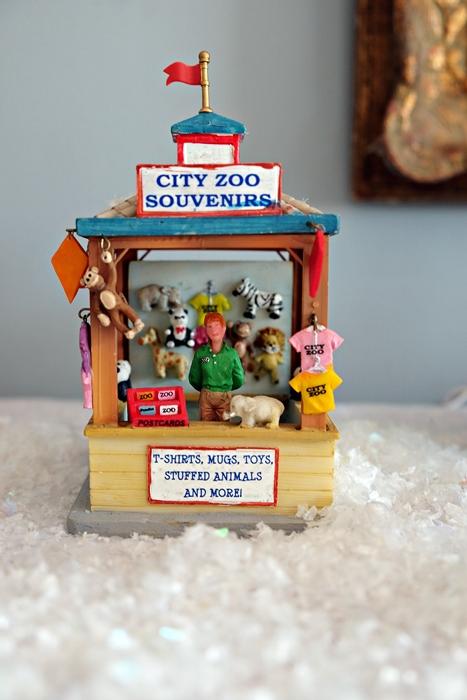Lemax zoo souvenir stand