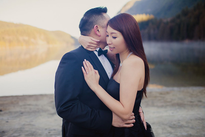 buntzen lake engagement session