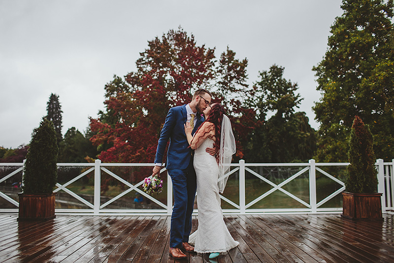 rainy day vancouver wedding