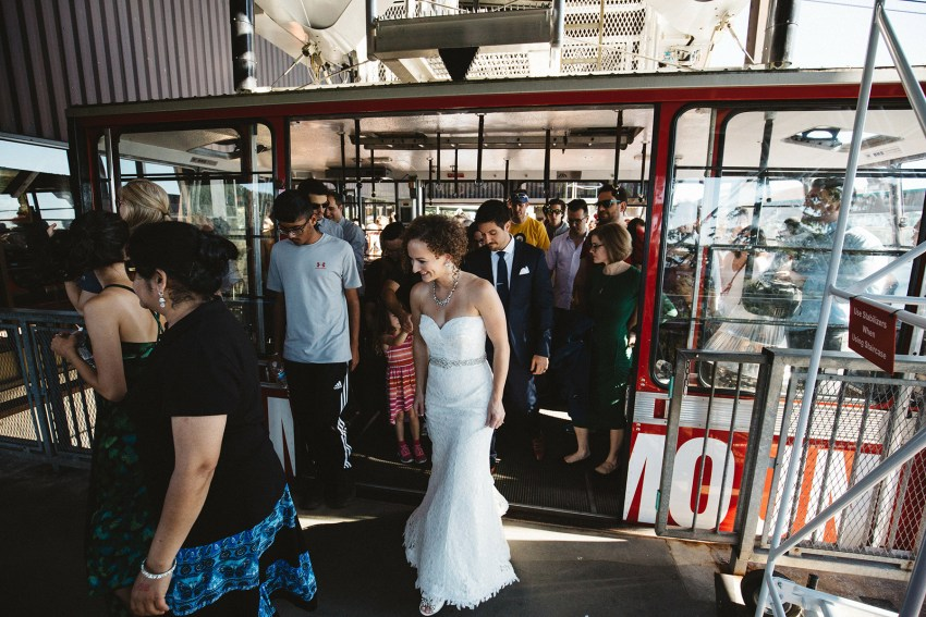 bride and groom grouse mountain gondola