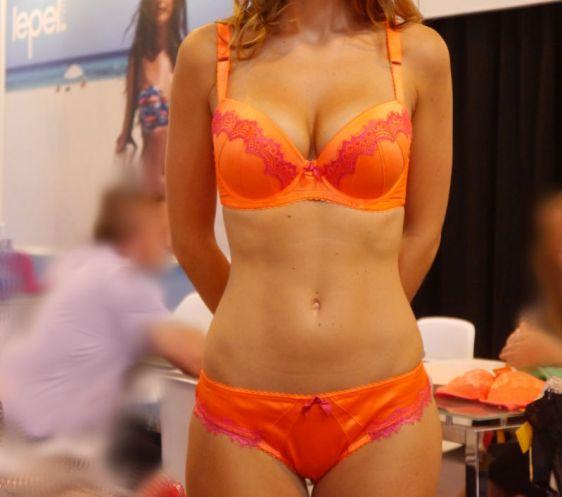 Lepel Victoria Moulded Plunge Bra Orange