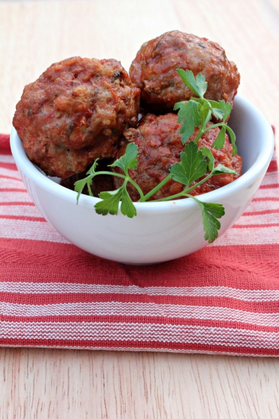 These Paleo Mini Meatballs will become one of your favorite meals! They are so easy and great to freeze for busy weeks.