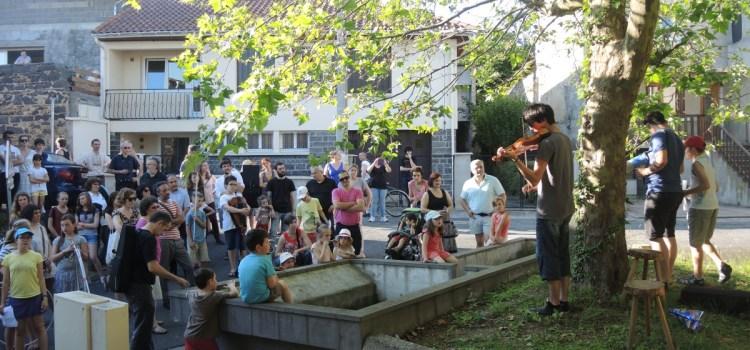 A la découverte du village de Saint-Bonnet avec les enfants de l'école de musique