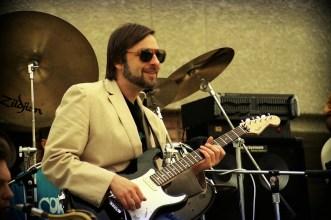 Guitarist Elliot Randal (Steely Dan)