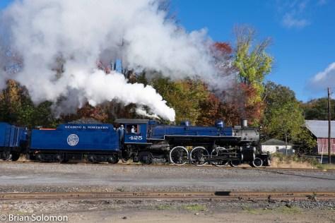 Reading & Northern 425 on October 17, 2015. FujiFilm X-T1 photo.