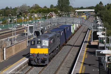 Irish_Rail_2nd_IWT_Liner_at_footbridge_Hazelhatch_Station_close_DSCF3273