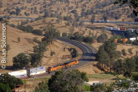 BNSF_stack_train_Walong_CA_Tehachapi_Loop_DSCF0845
