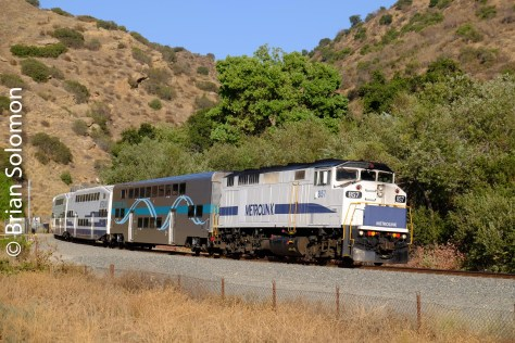 Metrolink_119_at_tunnel_near_CP_Davis_DSCF1748