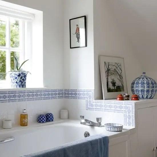 salle de bain blanche et bleu Choisir la couleur de la salle de bain   21 Idées de couleurs