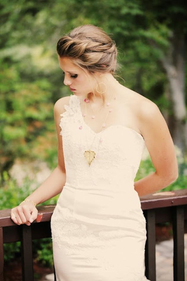 How to Wear a Bob for your Wedding   Bridal Bobs   Bridal Musings Wedding Blog 20