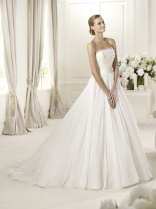 Pronovias-ss-2013-05
