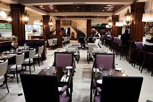 The spacious restaurant can accommodate several hundred diners at once