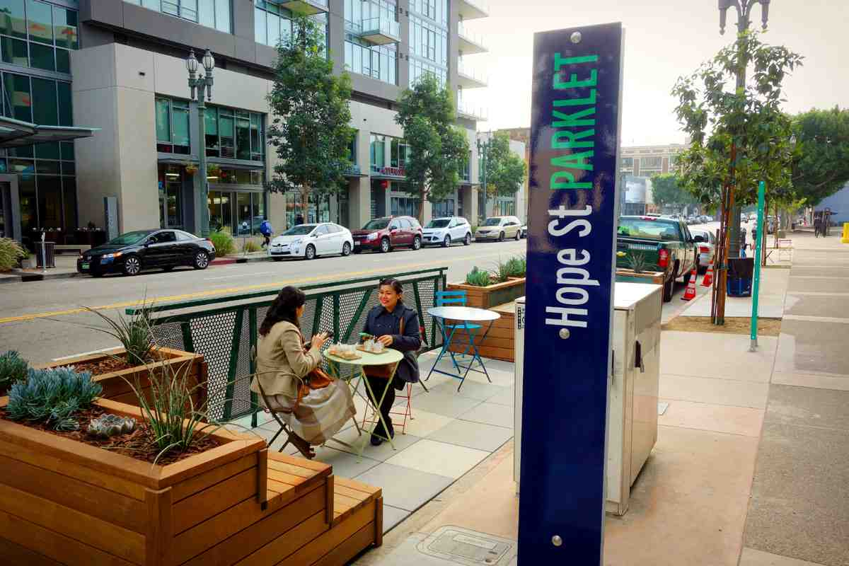 South Park's growing community continues with the installation of the district's first urban parklet at 11th and Hope