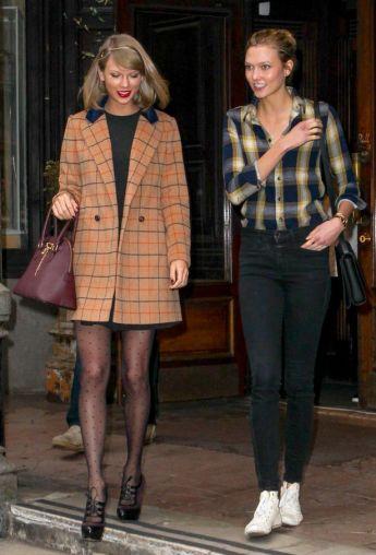 Taylor-Swift-and-Model-Karlie-Kloss