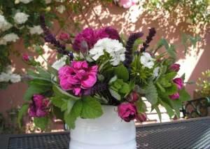 Kilcoan mixed jug arrangement