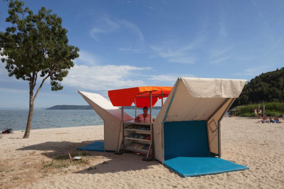 Yet Another Reason to Go to France, Pop Up Library Opens on the Beach!