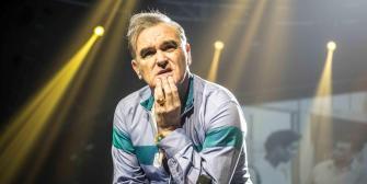 Morrissey inicia tour, mientras se confirma autobiografía en español