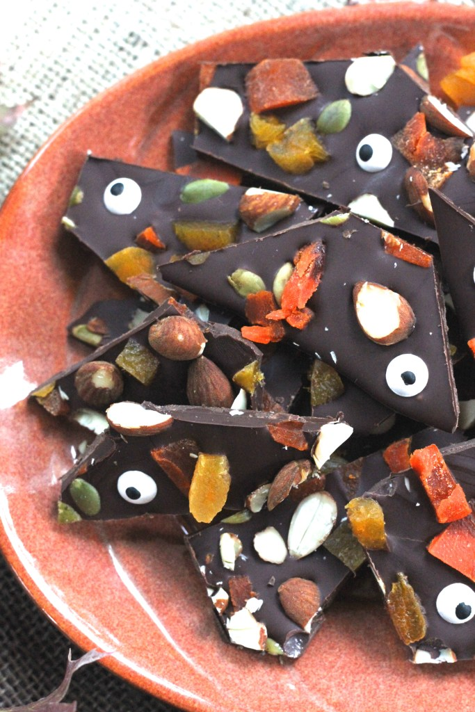 This Fruit & Nut Halloween Bark is a healthier take on spooky treats! {Brittany's Pantry}
