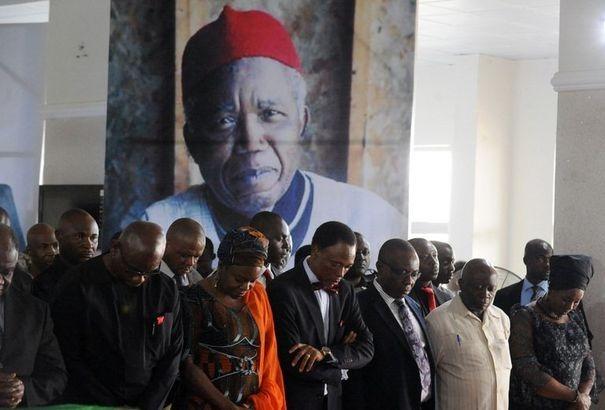Achebe - Soyinka - Poem