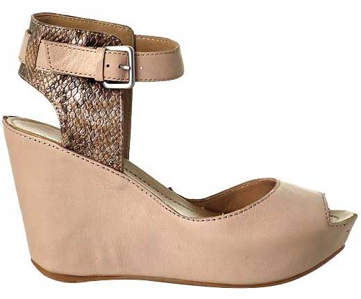 Kenneth Cole Sole My Heart Wedge