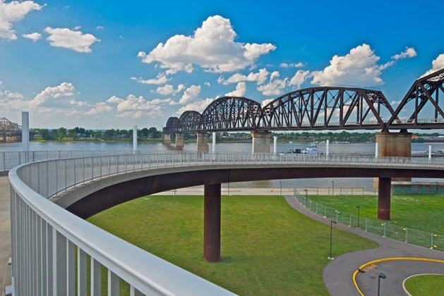 Big Four Bridge and spiral ramp from Waterfront Park. (Courtesy Waterfront Development Corporation)