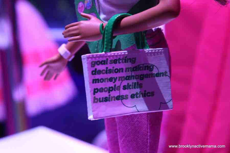 barbie girl scout Mattel preview 2014
