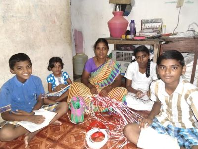 ChildrenStudying