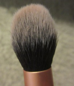 Contour brush head
