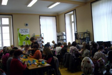 Warsztaty rękodzieła w MiGBP w Grodkowie