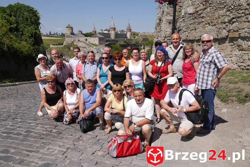 Przed twierdzą w Kamieńcu Podolskim - wycieczka na kresy brzeg24pl 2