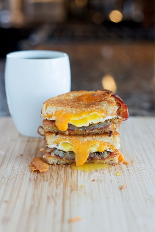 The Breakfast Grilled Cheese | bsinthekitchen.com #grilledcheese #breakfast #bsinthekitchen