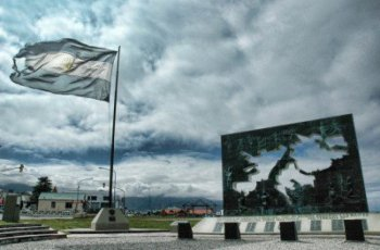 The Malvinas: An Unresolved Dispute between Argentina and Britain
